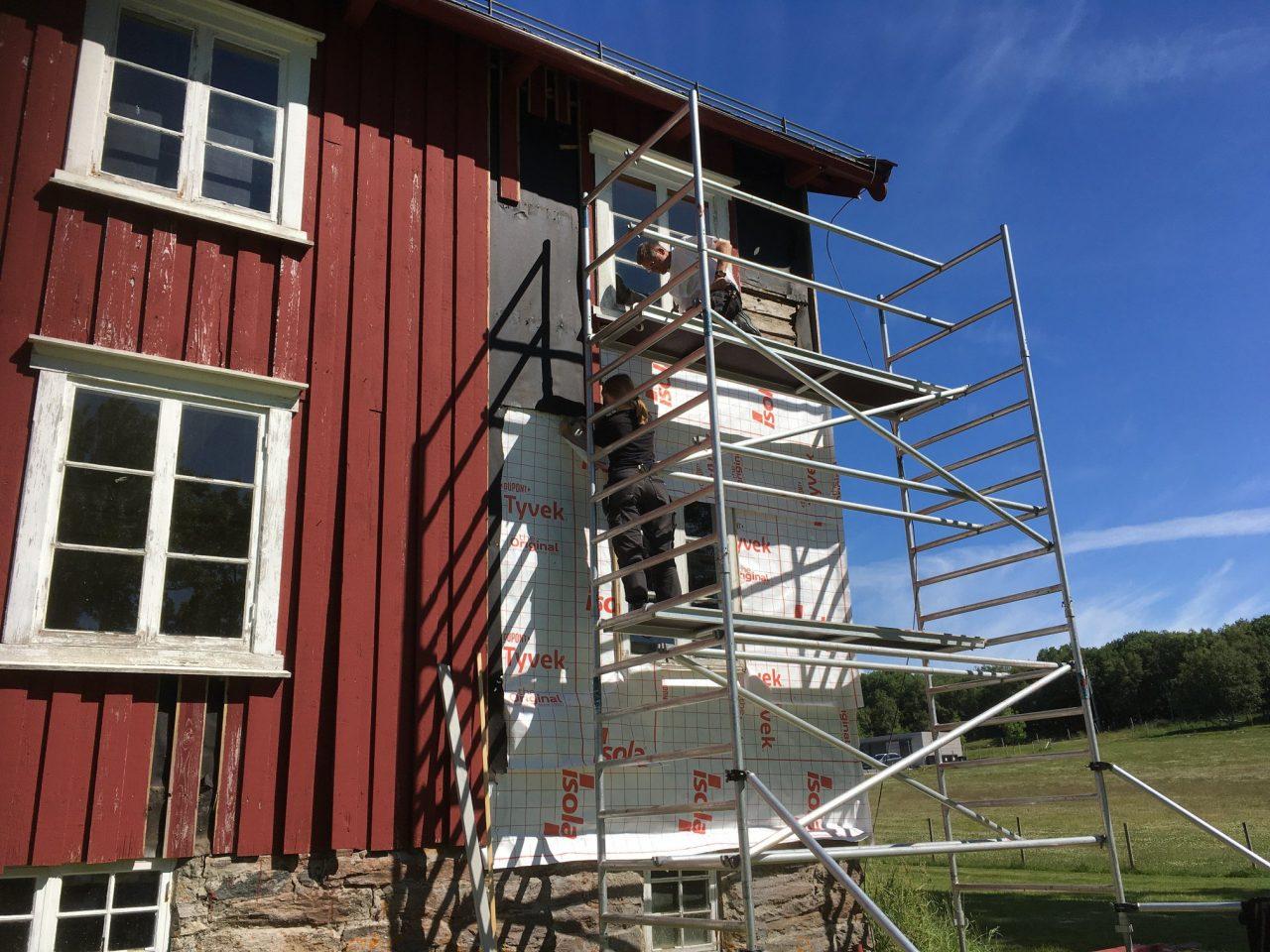 Bygningsvern. Bytte av bordkledning på prestegården på Alstahaug