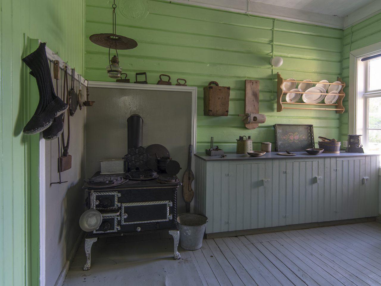 Kjøkkenet på gammelskolen, på Leland i Leirfjord