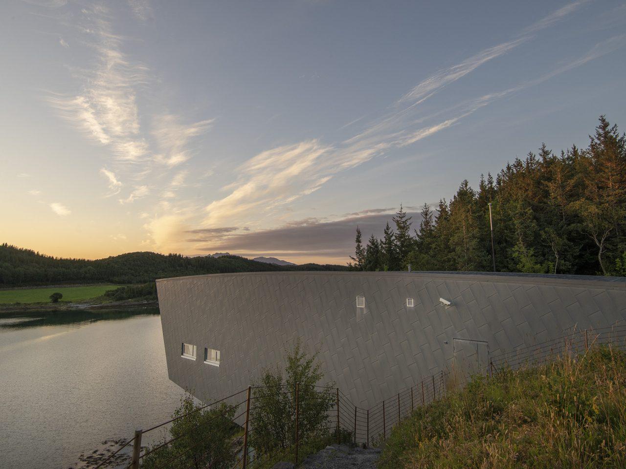 Petter Dass-museet. Utvendig sink vegg