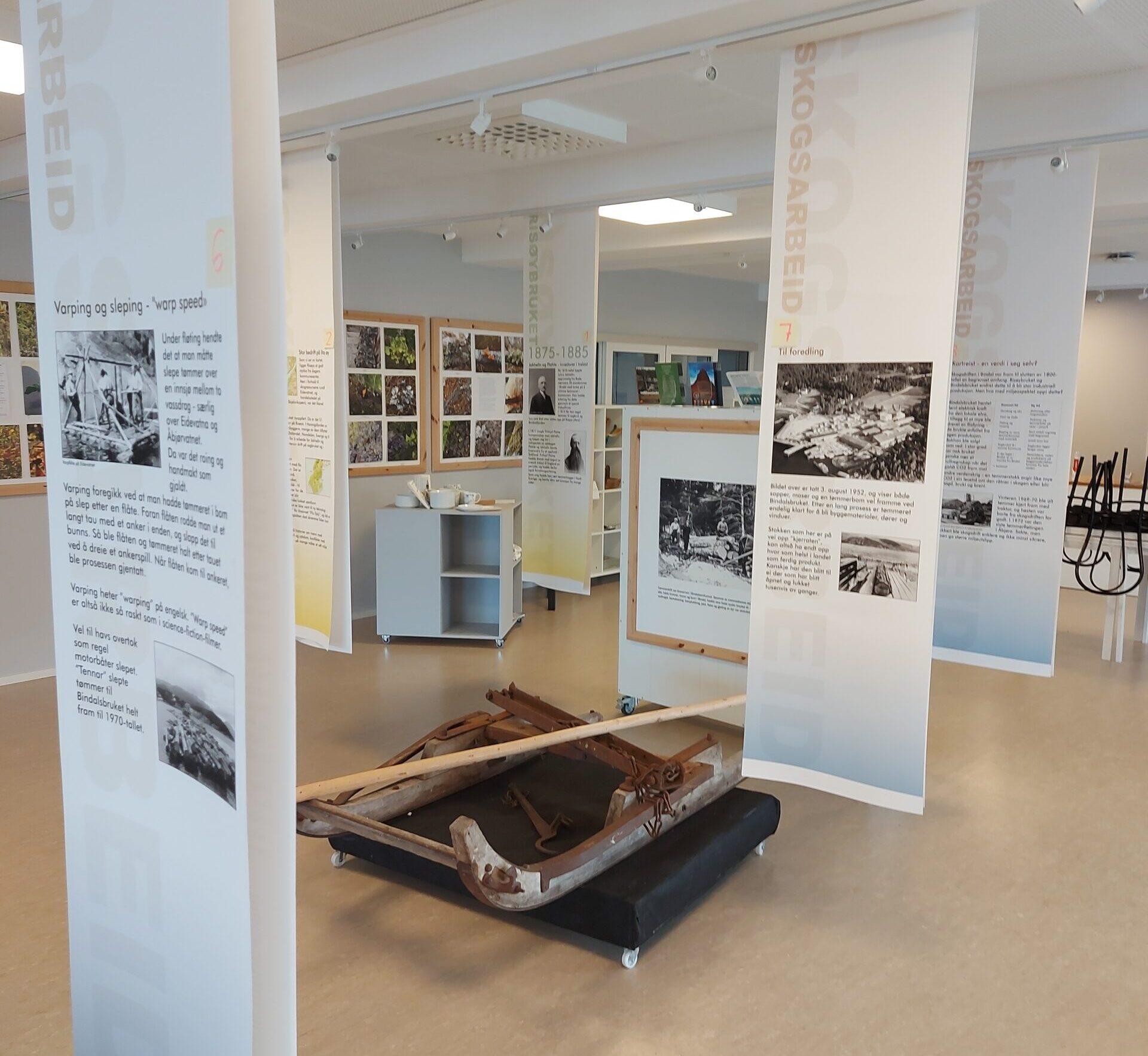 Viser del av utstillingen ved Bindal museum