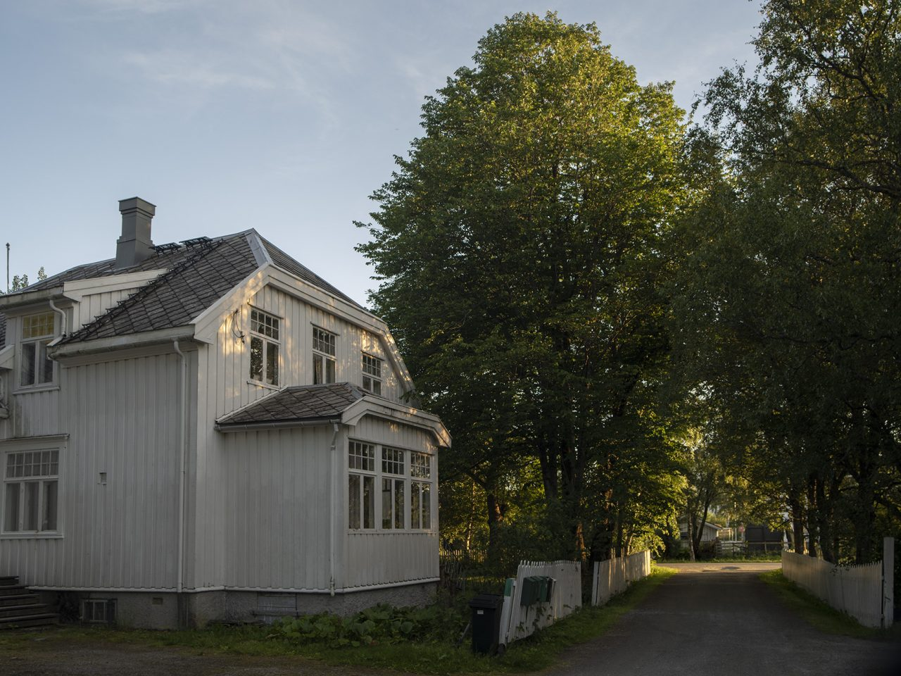 Nesna. Camilla Langset kom fra Kristiansund og tegnet familiens bolighus inspirert av byggeskikken i hjembyen
