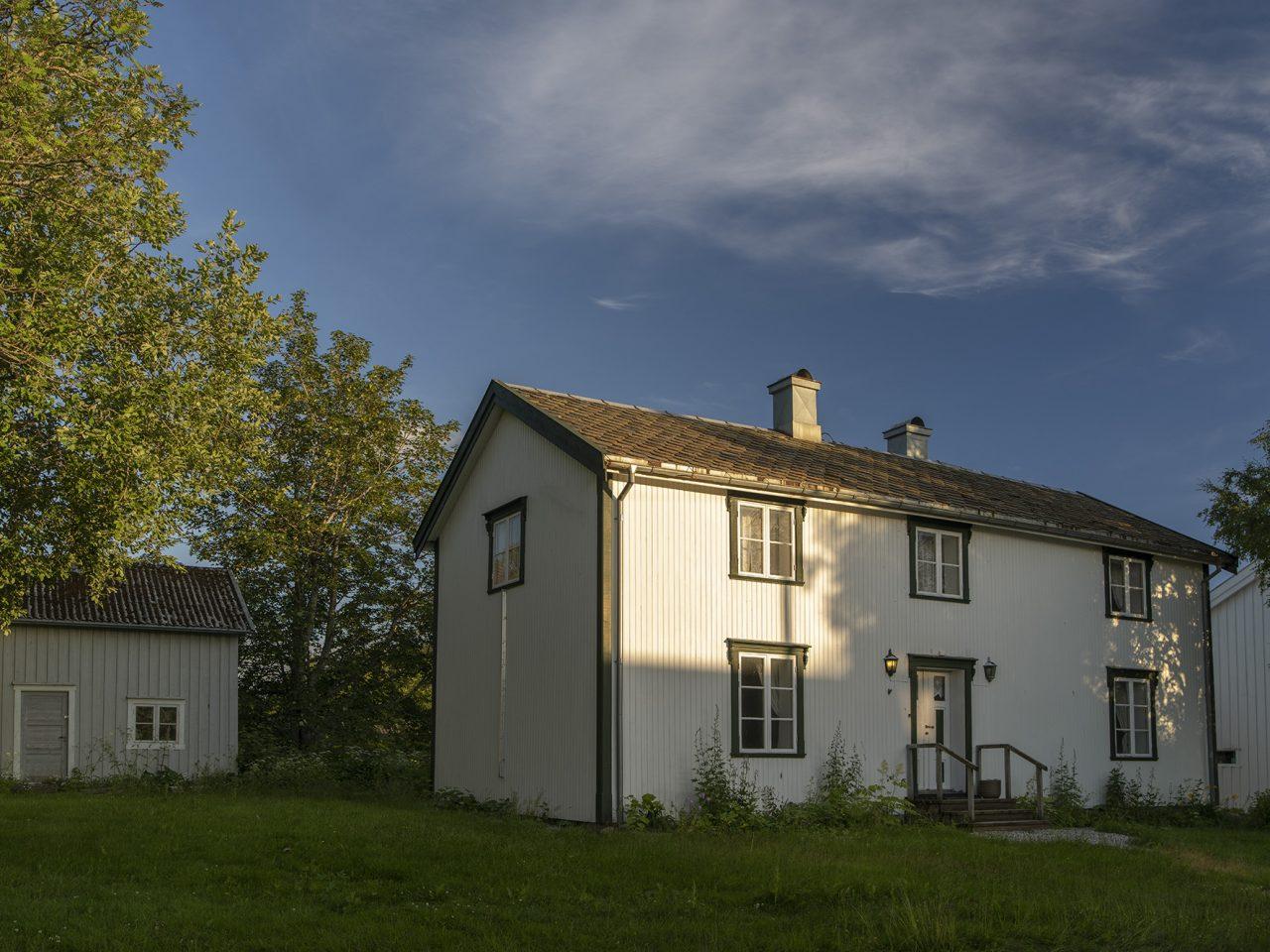 Nesn. Museet har forvaltet Klokkergården og uthuset siden 2000