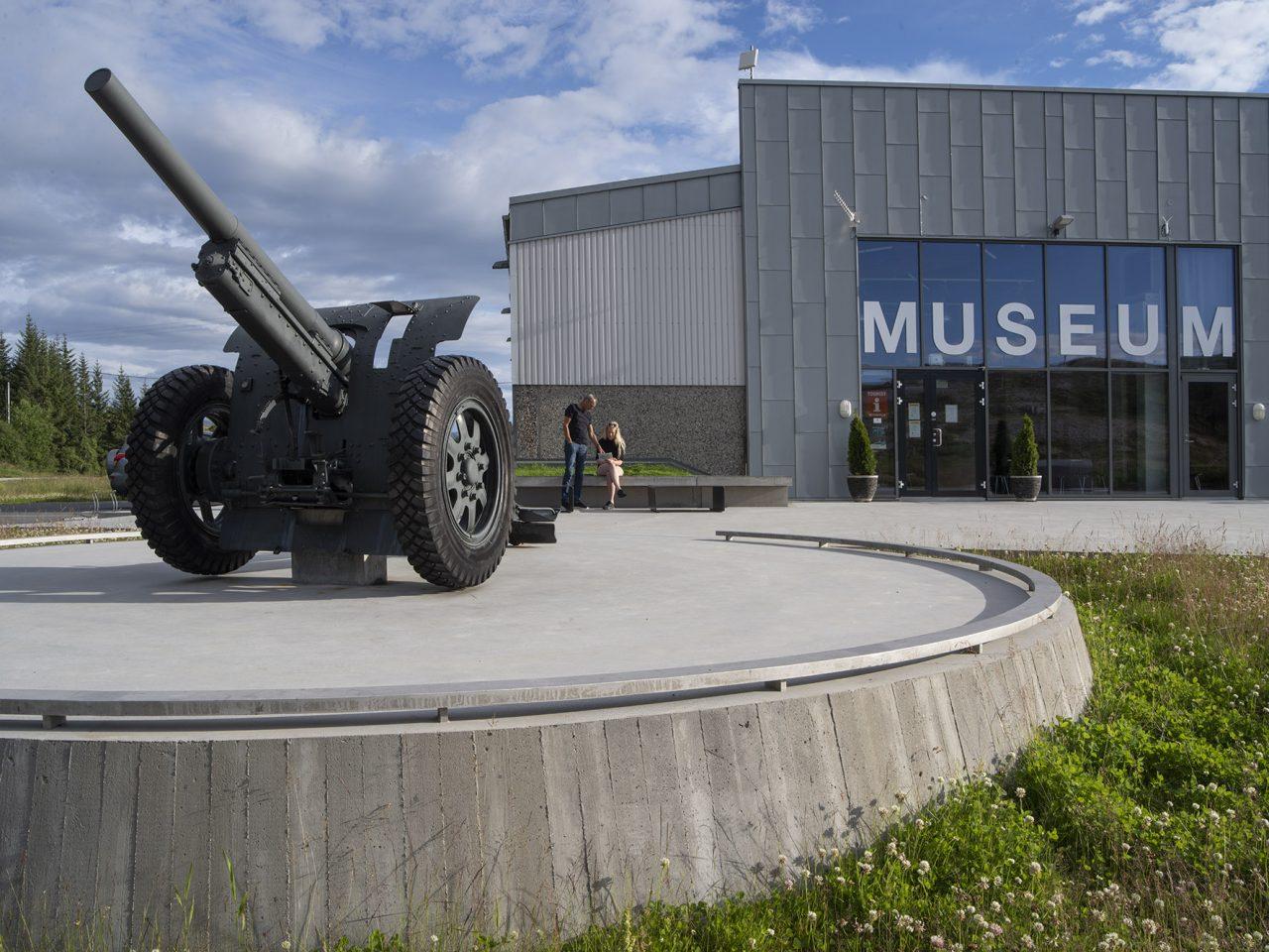 Kanon og Grønsvik kystfort, Lurøy