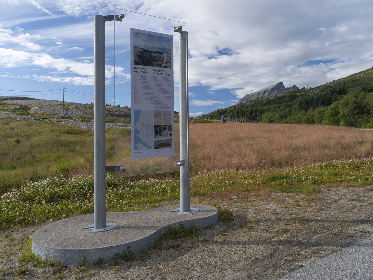 Informasjonsskilt, Grønsvik kystfort, Lurøy