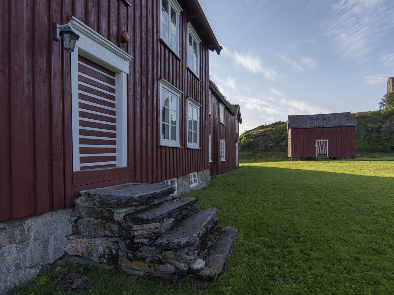 Utsiden av prestegården på Alstahaug