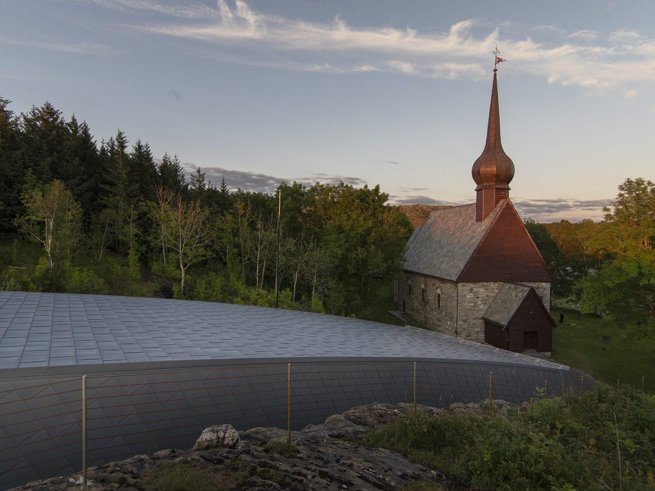 Petter Dass Alstahaug Kirke Ute