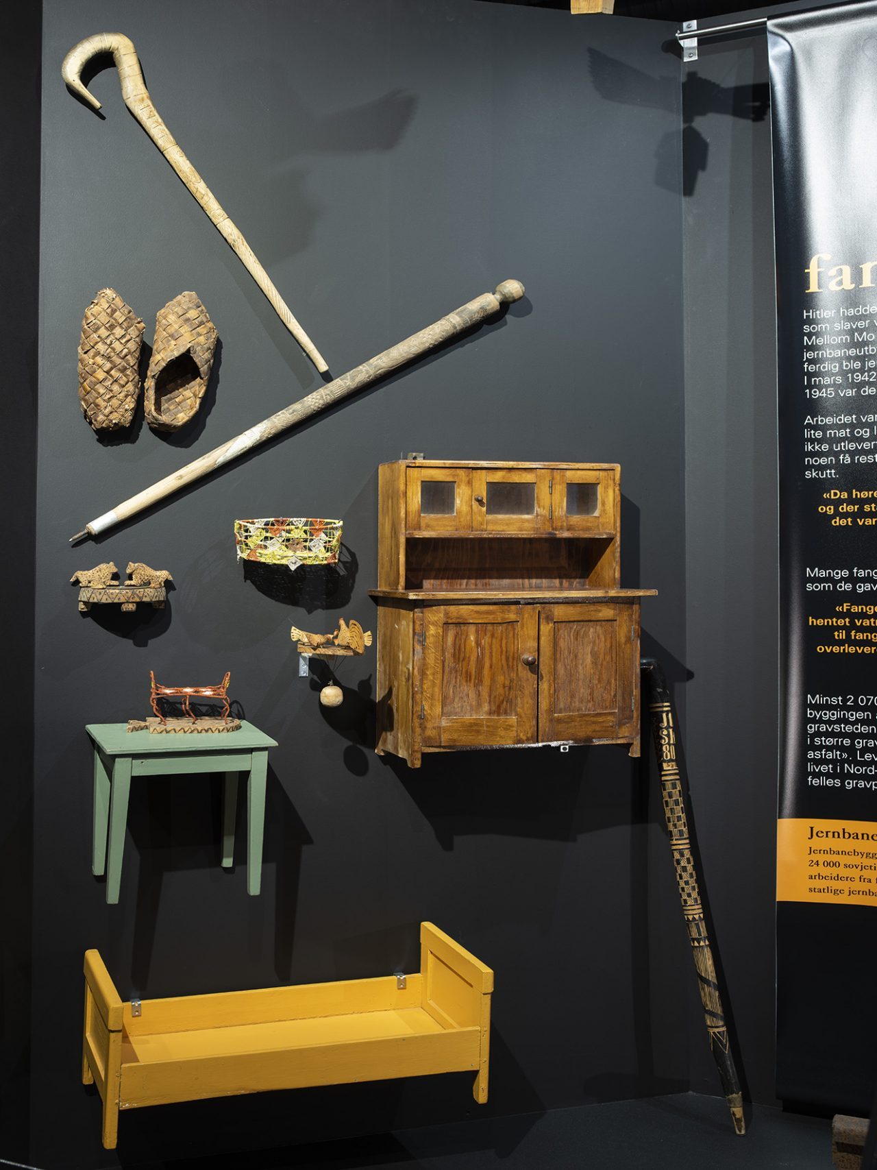 Diverse saker laget av fanger. Utstilling Rana museum