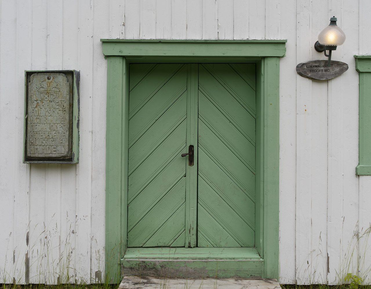 Inngangen til skolestua på prestegården på Stenneset