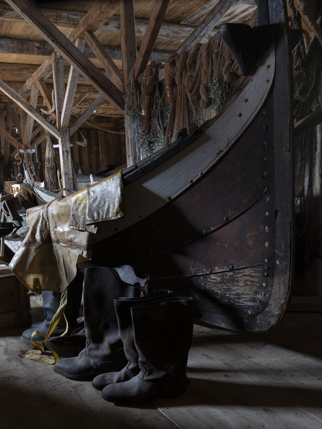 Båt og røyserter på Falch gamle handelssted, Rødøy